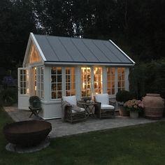 backyard shed plans Backyard Cottage, Backyard Studio, Backyard Sheds, Backyard Patio, Backyard Office, Garden Sheds, Greenhouse Shed, Greenhouse Gardening, Studio Shed