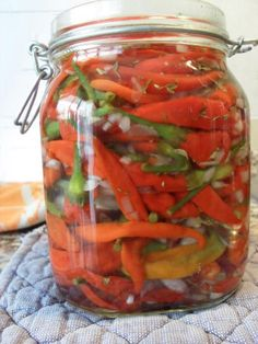 Hot pepper: recipes of preparation. Vegtable Salad, Pickled Hot Peppers, Learn To Cook, Stuffed Hot Peppers, No Cook Meals, My Favorite Food, Food And Drink, Dessert Recipes, Cooking Recipes