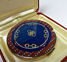 VINTAGE SIGNED STRATTON ENAMEL POWDER COMPACT