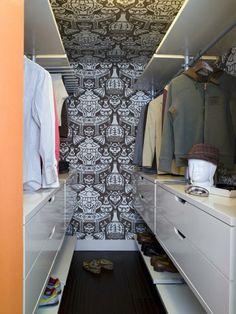 Long narrow closet organization walk in shoe racks 57 ideas for 2019 Long Narrow Closet, Walk In Closet Small, Walk In Closet Design, Small Closets, Closet Designs, Small Wardrobe, Open Closets, Dream Closets, Walking Closet