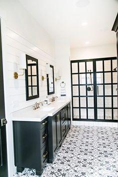 Nice 77 Fabulous Modern Farmhouse Bathroom Tile Ideas https://decorisart.com/39/77-fabulous-modern-farmhouse-bathroom-tile-ideas/