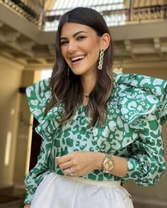 Stylish Outfits, Fashion Outfits, Womens Fashion, Master Tailor, The Office Shirts, Make A Wish, Saree, Clothes For Women, My Style