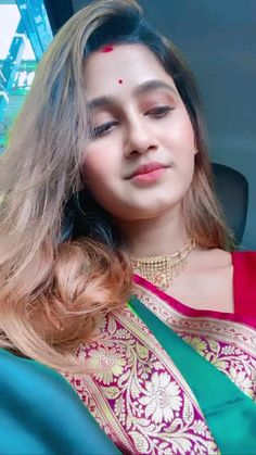 Indian Blouse, Saree Models, Bollywood Saree, Traditional Sarees, Beautiful Bollywood Actress, Pink Saree, Half Saree, Indian Beauty Saree, Beautiful Saree