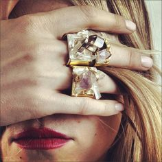 Bijoux – Tendance : geode rings, very cool. Jewelry Box, Jewelry Accessories, Fashion Accessories, Jewelry Design, Jewellery, Fine Jewelry, Fashion Jewelry, Fashion Rings, Stylish Jewelry