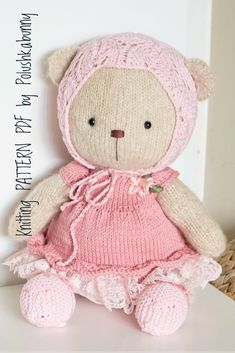 Shabby Chic Teddy Clothes Knitted Pattern #knitting #pattern #teddy #bear #craft #doll #clothes Diy Teddy Bear, Knitted Teddy Bear, Teddy Bears, Teddy Bear Knitting Pattern, Hand Knitting, Stuffed Animal Patterns, Diy Stuffed Animals, Diy Doll Costume, Plush Pattern