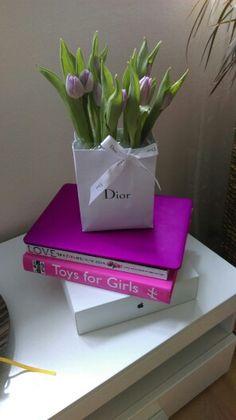 Lifestyle, flowers, Dior, fashion