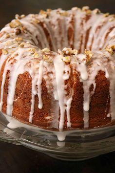 Cake Recipes, Best Dessert Recipes, Delicious Desserts, Snack Recipes, Yummy Food, Sock It To Me Cake Recipe, Sugar Glaze, Desserts To Make, Party Desserts