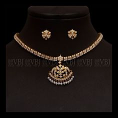 "Obtain excellent recommendations on ""buy diamond ring"". They are actually offered for you on our internet site. Antique Jewellery Designs, Gold Earrings Designs, Gold Jewellery Design, Necklace Designs, Diamond Jewellery, Antique Jewelry, Diamond Necklace Set, Dimond Necklace, Chocker Necklace"