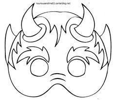 Scary Halloween Masks, Halloween Drawings, Halloween Pictures, Halloween Projects, Easy Crafts For Kids, Diy For Kids, Mascaras Halloween, Black Art Tattoo, Kindergarten Art Projects