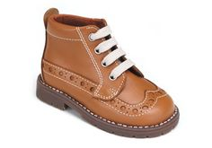 Bota de cordoneras para niña con aire inglés y muy combinable. Roly Poly Kids Shoes.