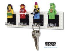 Lego Minifigure Key Holder by customBRICKS, via Flickr Minifigura Lego, Diy Lego, Lego Desk, Lego Craft, Lego Key Holders, Lego Jewelry, Key Hooks, Lego Projects, Hanger