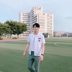 Image may contain: one or more people, people standing, sky, tree, grass and outdoor Asian Actors, Korean Actors, Web Drama, Ong Seongwoo, Korean Celebrities, Boyfriend Material, K Idols, Cute Boys, Actors & Actresses