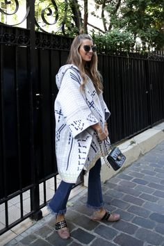 """The New Style for 2019 is a rebellion, rather, a revolution, against the """"skinny"""" fashion of the last decade. Ballerine Miu Miu, Skinny Fashion, Street Style Trends, Street Look, Denim Outfit, Casual Looks, Womens Fashion, Fashion Trends, Style Fashion"""
