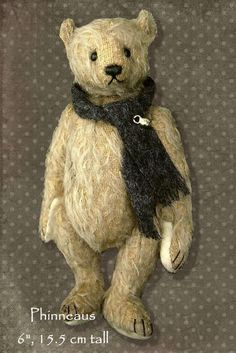 Phinneaus Old World Artist Bear PDF Pattern by Aerlinn Bears. $13.00, via Etsy.