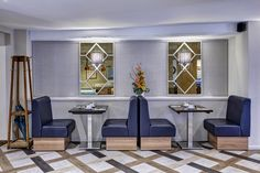 Kings Court Hotel, seating area, dining, flowers, leather seats, small space