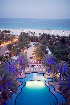 The Raleigh Hotel's historic art deco pool in Miami Beach