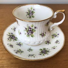 "Queens Purple ""Violet"" Teacup and Saucer Countryside Series Tea Cup and Saucer, Vintage Bone China"