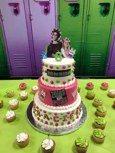 Zombie Birthday Cakes, Zombie Birthday Parties, 10 Birthday Cake, 2nd Birthday Party Themes, Disney Birthday, Birthday Ideas, Zombie Disney, Zombie Party Decorations, Birthday Party Decorations