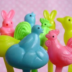 Spring Animal Picks from Layer Cake Shop!  Assortment of yellow, pink, light blue and mint green roosters, chicks, ducks and bunnies.  Perfect toppers for any spring or easter cupcakes!
