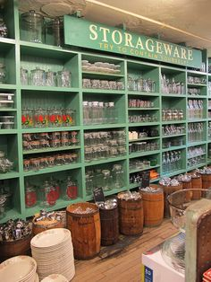 Grocery store, deco new york, zero waste store, pantry inspiration, farm st Bulk Store, Eco Store, Farm Store, Grocery Store, Old General Stores, Old Country Stores, Deco New York, Tante Emma Laden, Pantry Inspiration