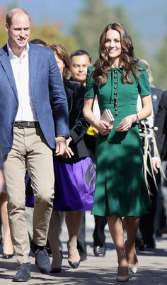 Kate in Dolce & Gabbana in Kelowna, BC (Fall 2016)