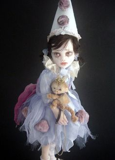 This doll looks like a painting - Mia and Coco- Joanna Thomas on Etsy