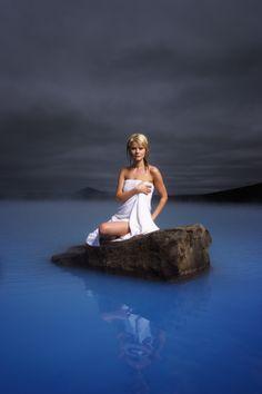 Le Lagon Bleu : Une station thermale située dans le sud-ouest de l'Islande. Cette eau a une renommée internationale pour le traitement de nombreuses maladies de la peau telles que le psoriasis et l'eczéma http://www.theadventuretravelnetwork.com/accueil.html