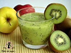 E' iniziata ormai la primavera e anche la colazione, si fa più leggera ed è proprio per questo che vi propongo questo frullato di mela e kiwi, per una colazione semplice, veloce e ricchissima di gusto e vitamine. Un frullato altamente vitaminico, il kiwi infatti, è ricco di potassio, vitamina E, rame, ferro e possiede un contenuto molto alto di vitamina C