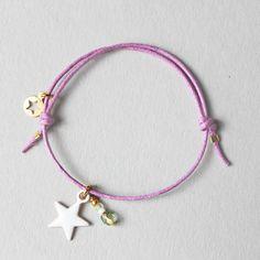 bracelet blanc violet