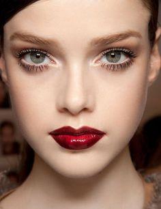Love this vampy red lip.