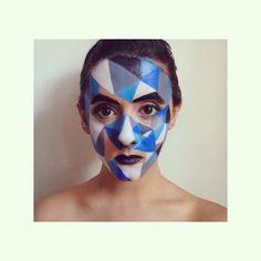 Geometric ⚪️⚫️ #makeup #makeupgame #makeupwork #makeupideas #makeupisart #makeuplover #makeupartist #makeupplayer #blue #black #grey #white #beauty #geometric #triangles #geometricface #facepainting