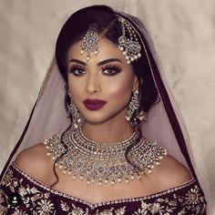 Desi Bride - Makeup Looks Going Out Pakistani Bridal Makeup, Asian Bridal Makeup, Indian Wedding Makeup, Wedding Makeup For Brown Eyes, Indian Bridal Outfits, Bridal Makeup Looks, Indian Wedding Jewelry, Bride Makeup, Wedding Hair And Makeup