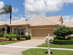 View a virtual tour of 8949 W Shoal Creek Lane Boynton Beach, FL 33472