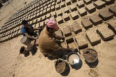 Gaza Mud Brick Houses as Inverted Tunnels - Earth Architecture