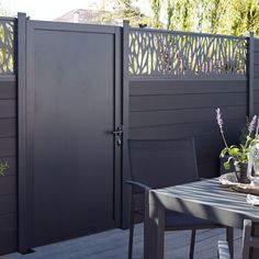 Blooma Neva Aluminium Gate  (H)1.72m (W)0.93m.This Neva aluminium gate  part of the Neva modular fencing range  is designed for use with Neva panels and other Neva fencing elements (sold separately) and is perfect for giving your garden a contemporary look.