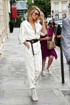 Proof that flightsuits are the new jumpsuit—obsessed with everything about Rosie Huntington-Whiteley's look