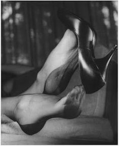 Elmer Batters (1919 – 1997) was a pioneer fetish photographer who specialized in capturing artful images of women with an emphasis on stockings, legs, and feet: ahead of his time in popularizing foot fetishism imagery as erotic entertainment.
