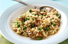 Looking for the perfect risotto recipe? We have a tasty selection of risotto recipes to choose from. Whether it's mushroom risotto or a chicken risotto Chicken Risotto, Mushroom Risotto, Risotto Recipes, Chicken Bacon, Chicken Recipes, Risotto Ideas, Garlic Chicken, Risotto Dishes, Risotto