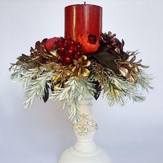 Red Christmas, Table Decorations, Home Decor, Decoration Home, Room Decor, Home Interior Design, Dinner Table Decorations, Home Decoration, Interior Design