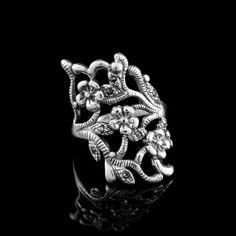 Anel Envelhecido c/ Três Flores e Folhas c/ Marcassitas - Anéis - Prata Fina - Joias em Prata