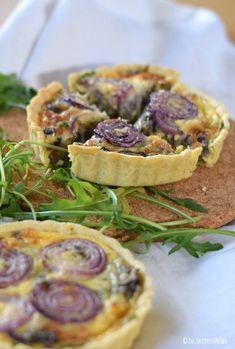 Karamellisierter Zwiebelkuchen mit Bärlauch & Rucola | Das Knusperstübchen