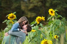 Sweet Southern Engagement Photos in Sunflower Field! by Hannah Seay Photography | Two Bright Lights :: Blog