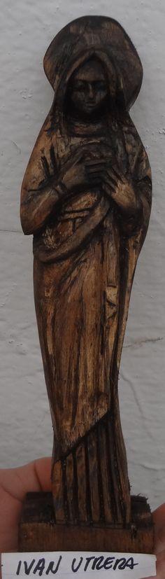 virgen tallada en madera