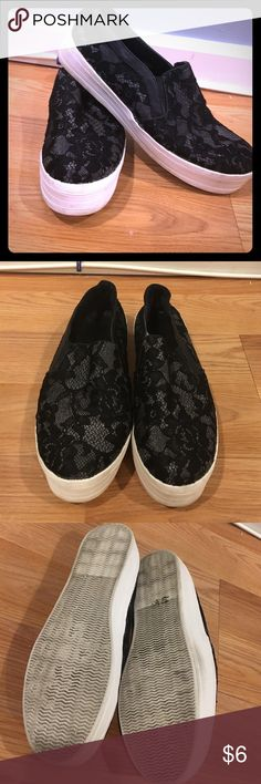 Mossimo platform sneakers, lace detail Worn a few times but sole and structure in great condition. Comfy and stylish. Mossimo Supply Co Shoes Sneakers