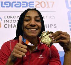 Nafi Thiam avait toutes les raisons de montrer fièrement sa belle médaille d'or.