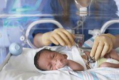 La enfermedad de cardiopatia congenita es una anormalidad del corazón presente desde el nacimiento.    El problema puede afectar a:      Las paredes del corazón    Las válvulas del corazón    Los vasos sanguíneos    Existen numerosos tipos de defectos congénitos del