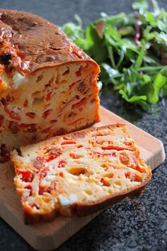 Cake Chorizo Chevre, Cake Chevre, Chef Recipes, Vegetarian Recipes, Cooking Recipes, Typical French Food, Biscuit Bread, Batch Cooking, Food Inspiration