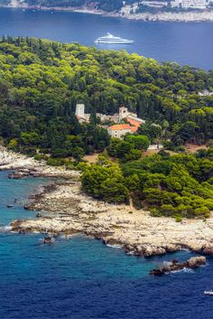 The island of #Lokrum is Dubrovnik's green oasis