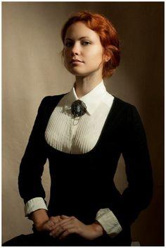 I love this #steampunk themed portrait, so elegant!