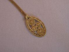Vintage Handmade 14k Gold Quilled Filigree by VintageJewelries